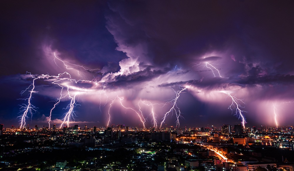 Stay Clear of This 22% Lightning-Bolt Collapse